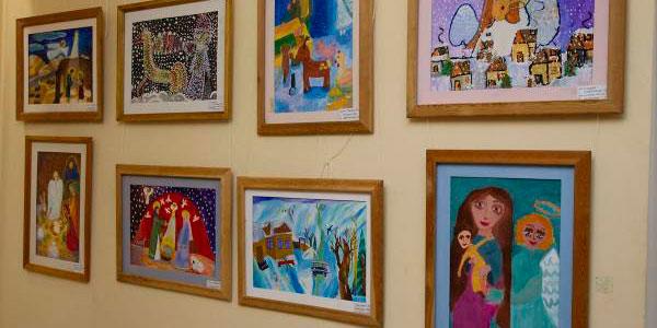Read more about the article Ежегодная выставка детских рисунков «Рождество Христово глазами детей»